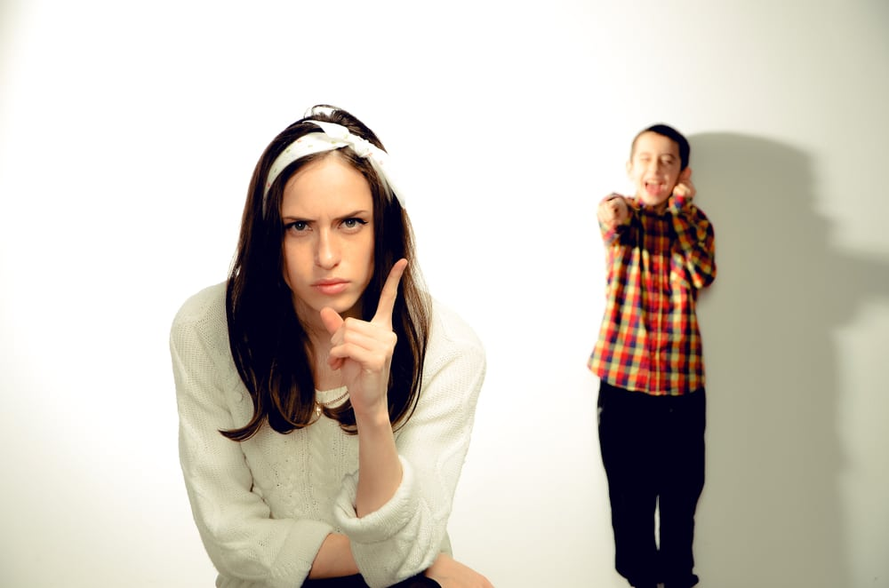 8 Toxic Ways Narcissistic Mothers Emotionally Abuse Their Children